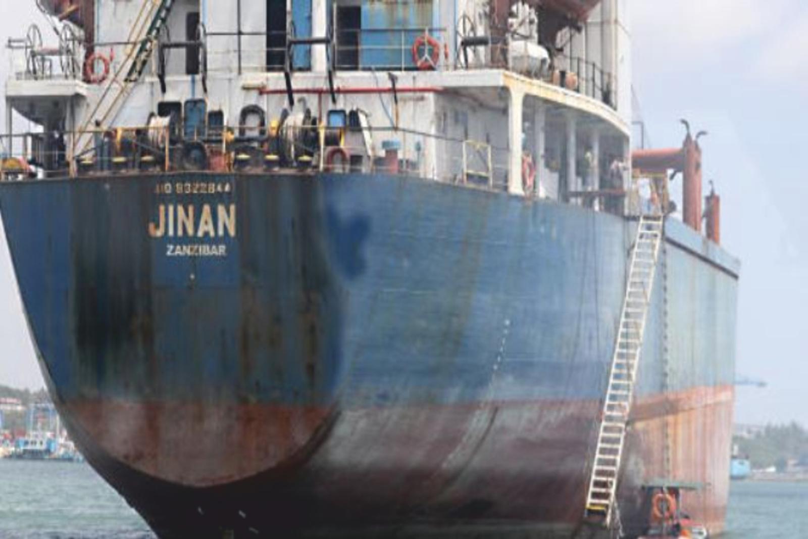 Membrii echipajului unei nave, abandonați în Kenya timp de 18 luni